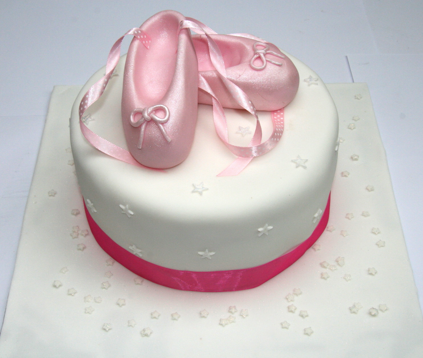 Cake Decorations Ballet Shoes : Ballet Shoes Cake Etoile