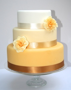 Ombre and Rose Wedding Cake