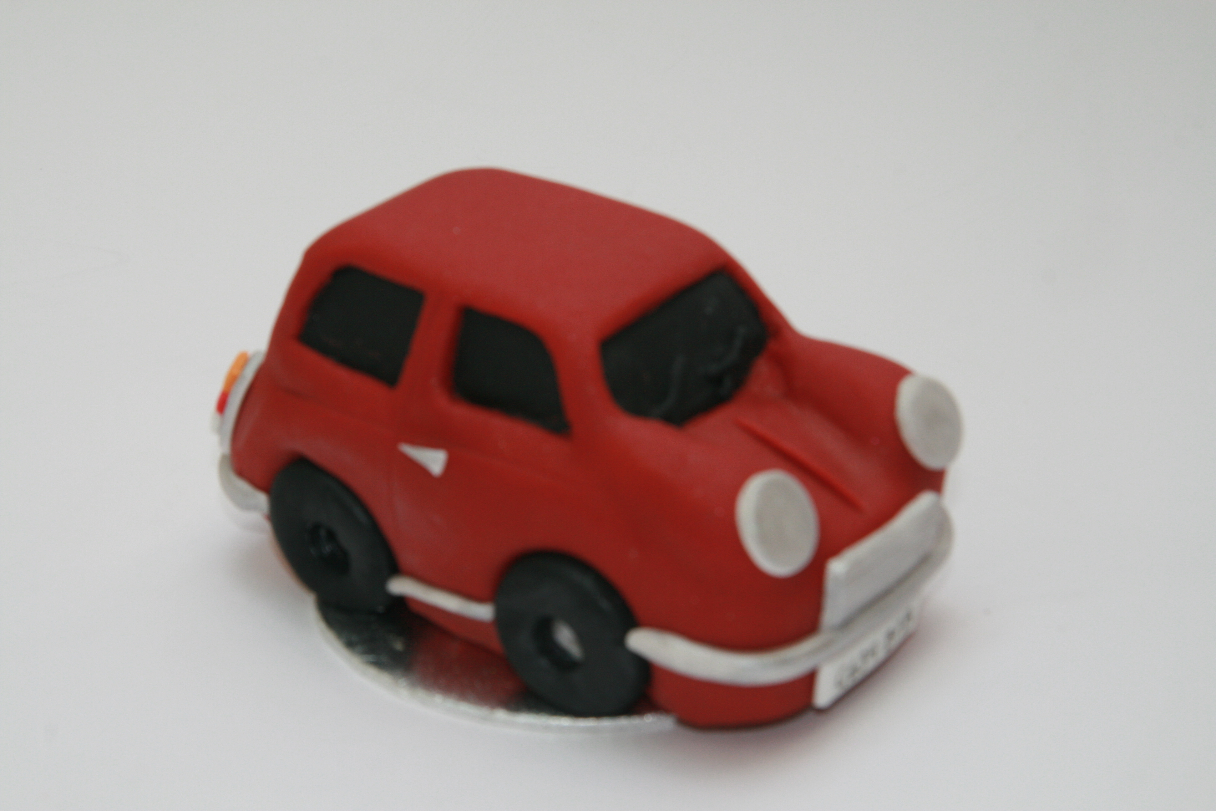 mini car wedding cake topper mini car bespoke wedding cake topper etoile bakery 17391