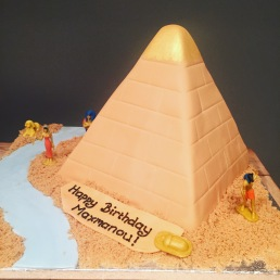 Egyptian Pyramid Cake