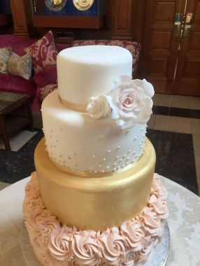 Buttercream Roses with lustre gold